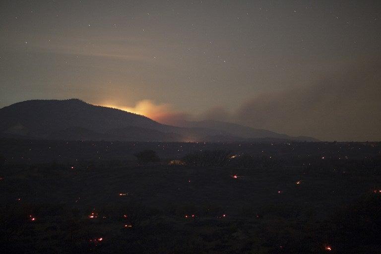 FOTOS: Cientos de evacuados por incendios en California