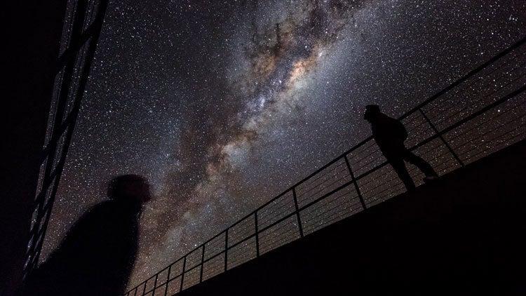 Magnate ruso invierte 100 millones de dólares en la búsqueda de vida extraterrestre