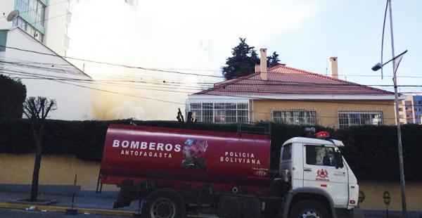Un dinamitazo alcanza a embajada de Alemania en disturbios en Bolivia