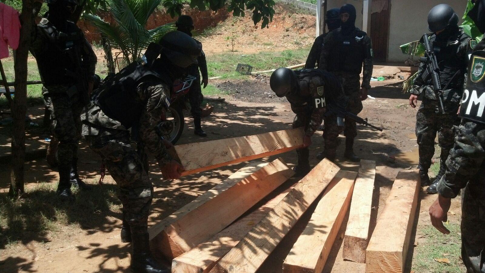 Honduras: Decomisan varios pies de madera de color