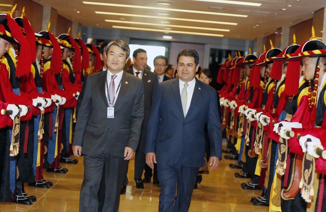 Presidente Hernández expone potencialidades de Honduras en Corea del Sur