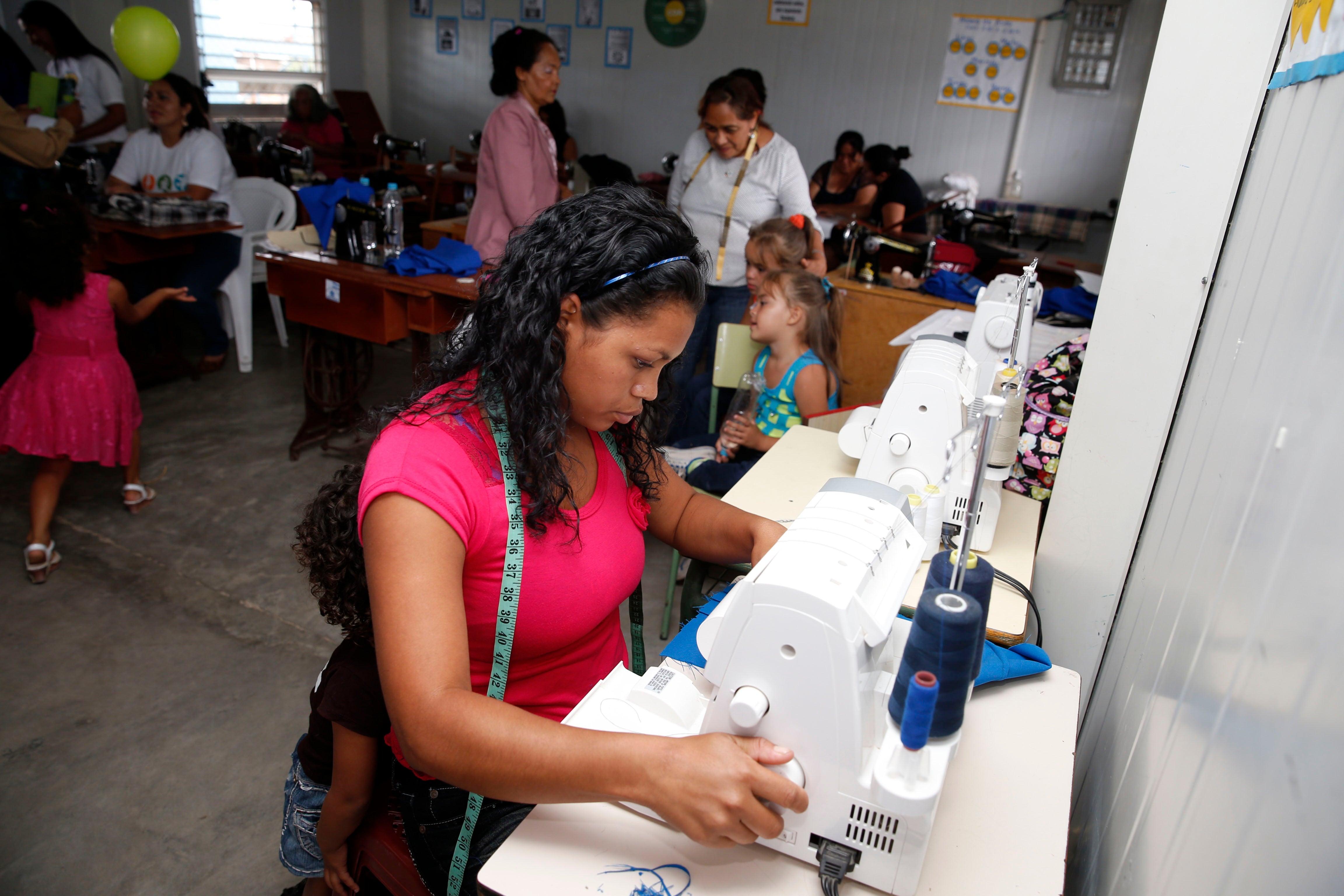 Inauguran Centro de Alcance Juvenil en la colonia Ramón Amaya Amador