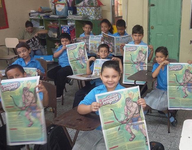 Escolares aprenden y disfrutan con la historia de Lempira