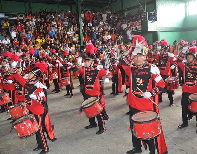 Un insigne instituto de La Lima gana torneo de bandas en Honduras