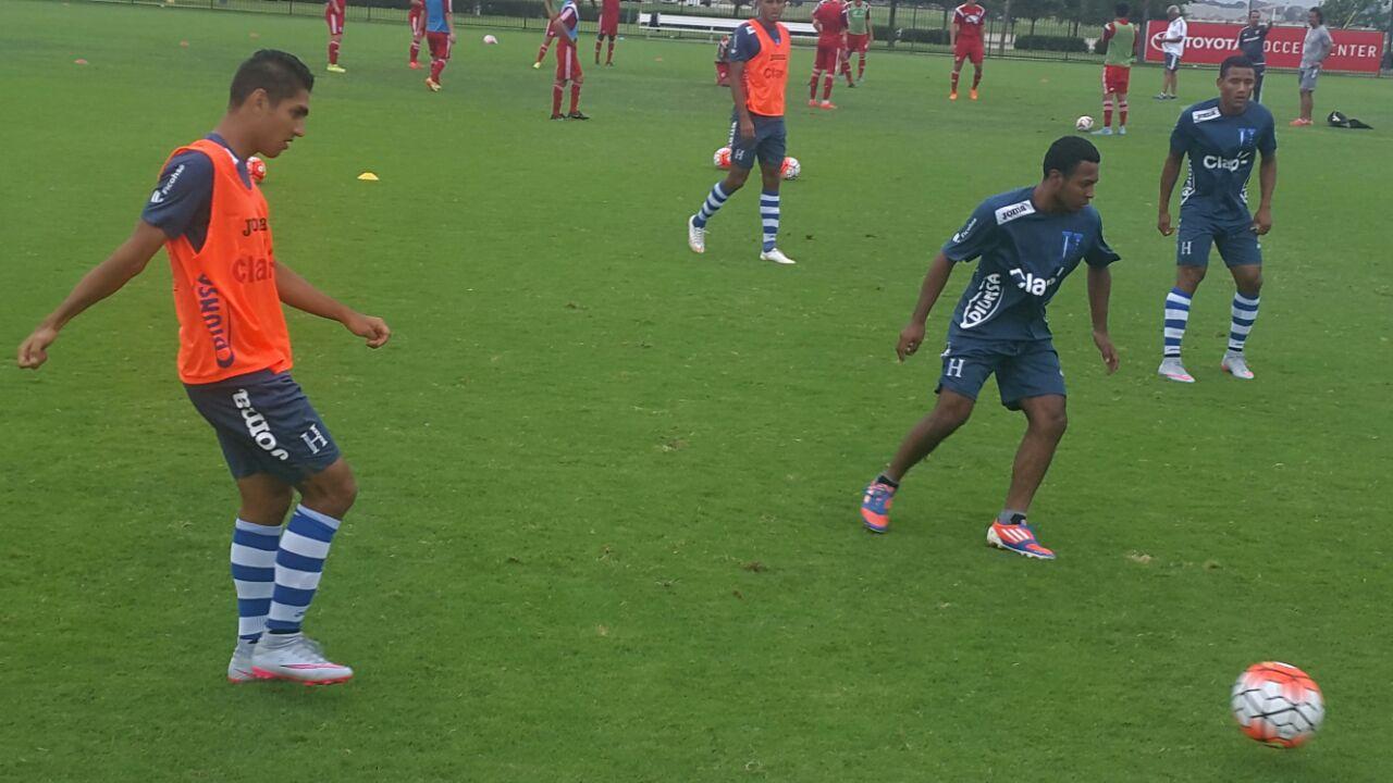 Los jugadores de la selección que no participaron ayer jugaron un colectivo de 60 minutos ante las reservas de Dallas F.C.