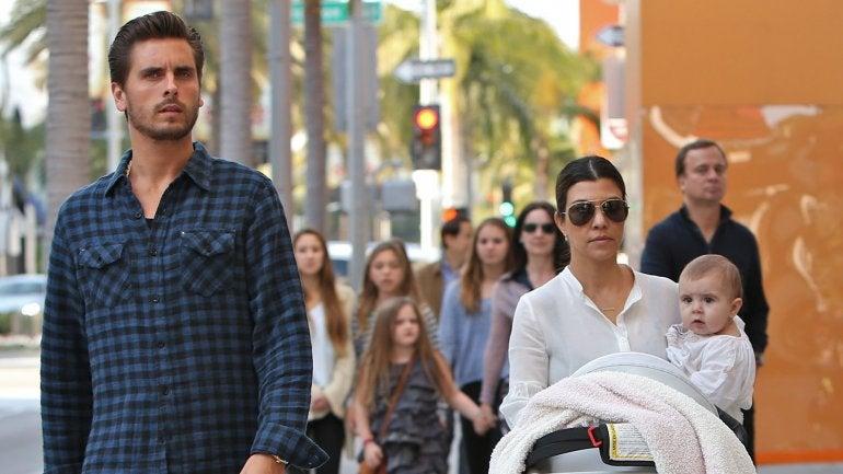 FOTOS: Captan in fraganti al marido de una Kardashian con otra mujer