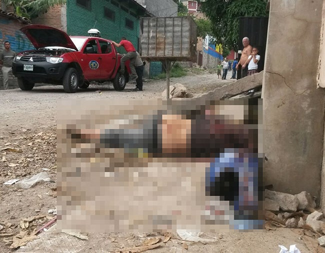 Sicarios matan joven en Los Laureles