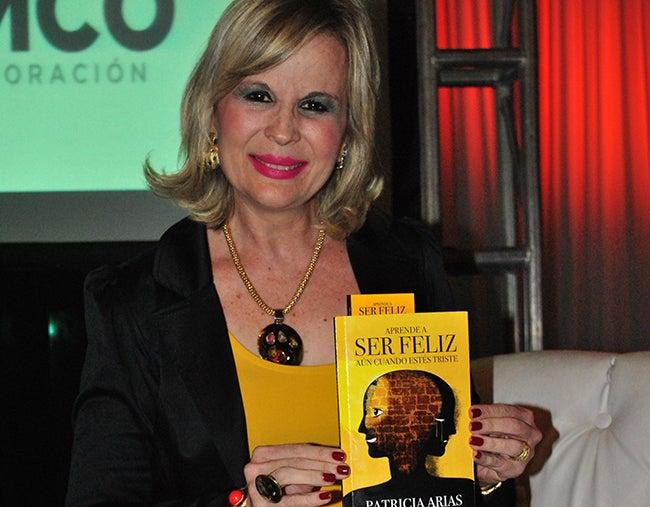 Presentan libro de periodista hondureña
