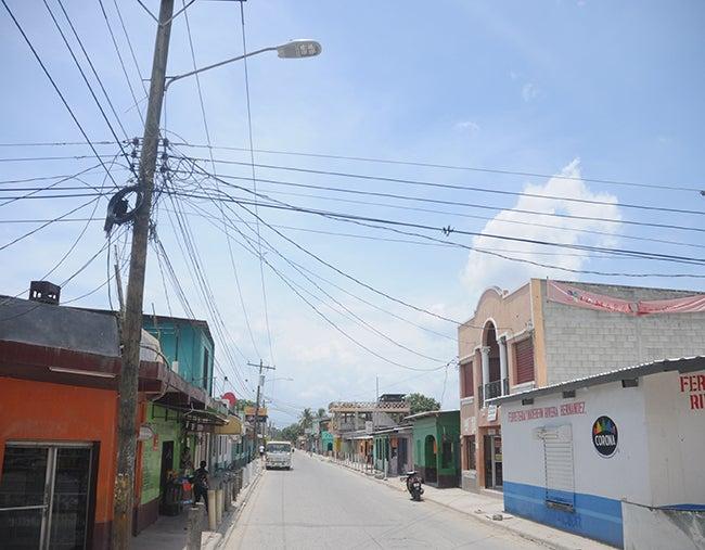 Iluminarán las calles de la Rivera Hernández