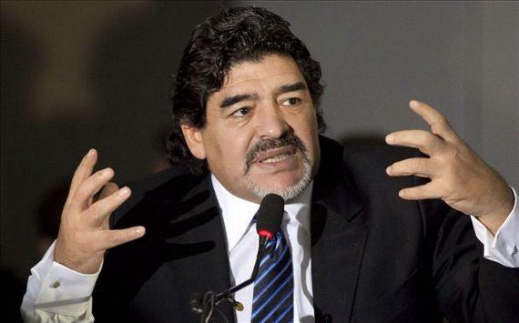 Escándalo México-Panamá: «Hay que jugar de nuevo y echar al árbitro», Maradona