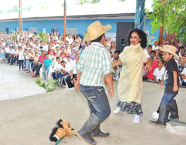 """Clausuran campaña ambiental """"Recuperando mi tierra"""" en el Norte de Honduras"""