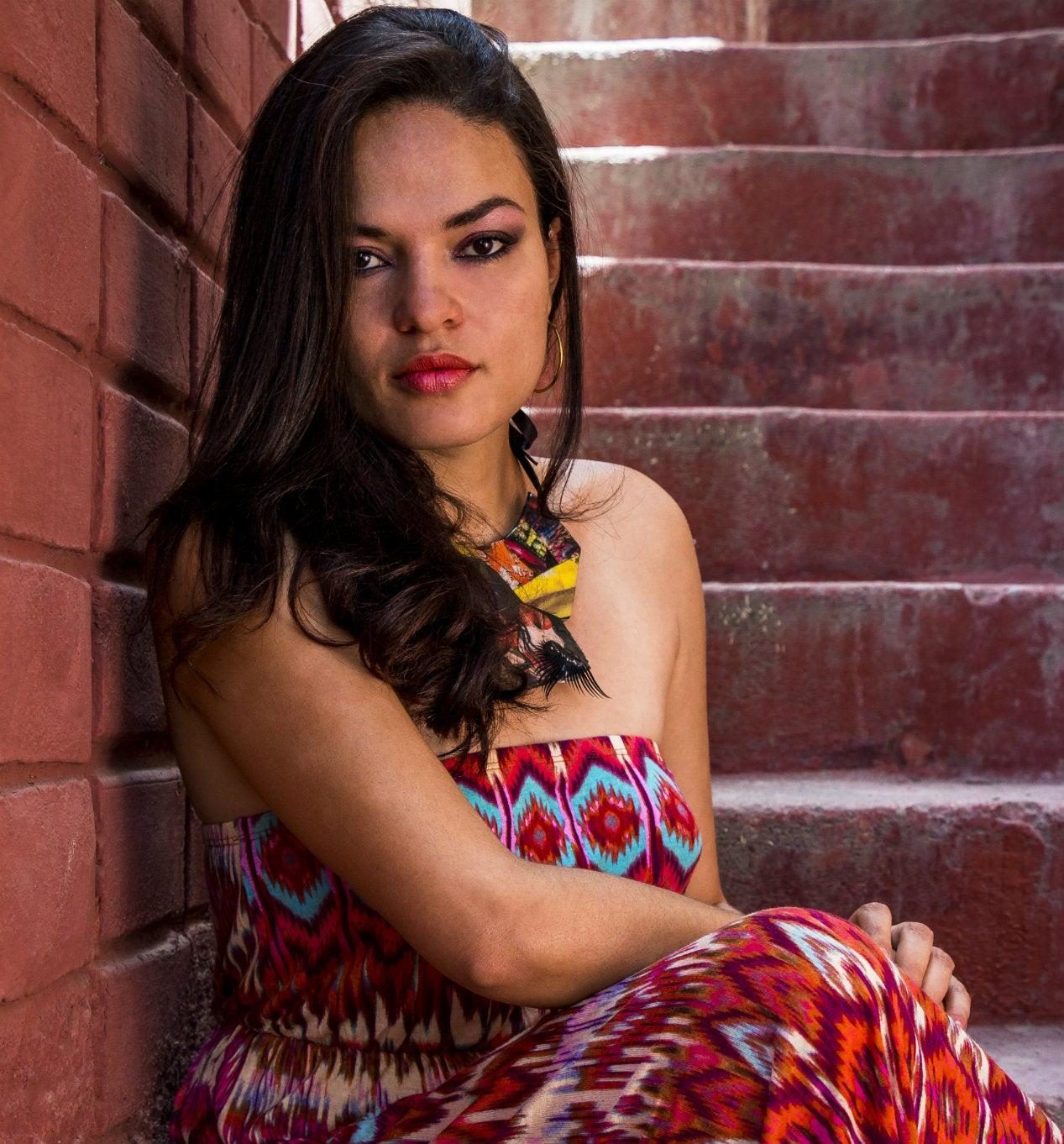 Nora Buchanan: La artista hondureña que refleja a través del arte las emociones de la sociedad