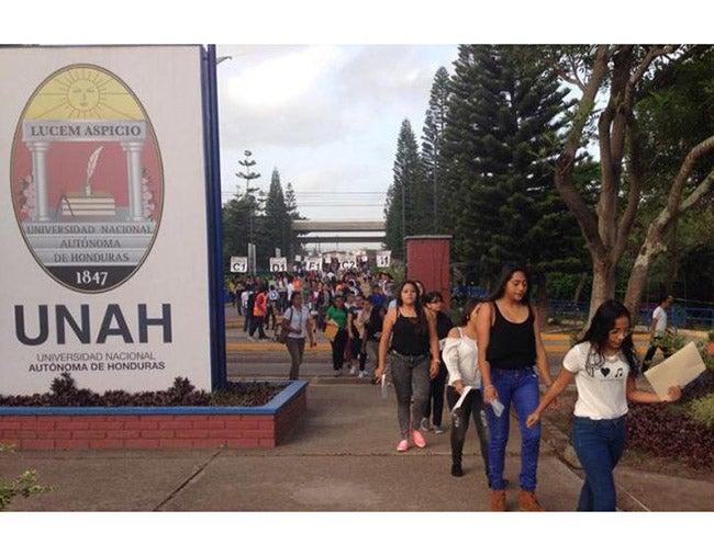 Honduras: Casi nueve mil  pasan la PAA