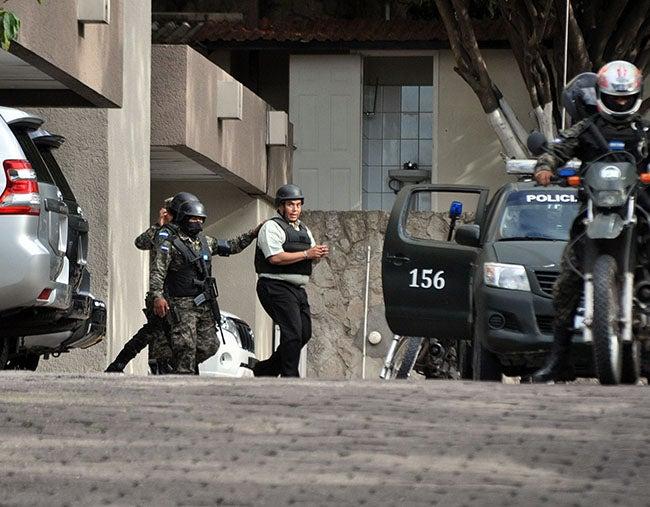 Honduras: Todavía no se va el policía que colaboraba con los Valle Valle