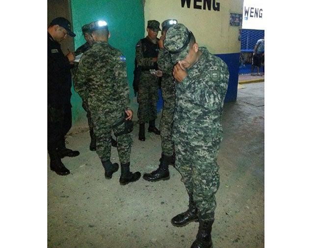Honduras: Caen 4 policías militares por presunto robo