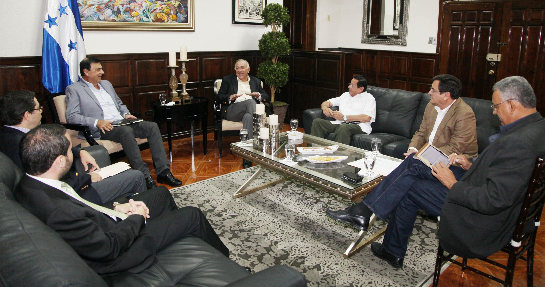 Azucareros piden apoyo al CN para enfrentar problemas generados por la sequía