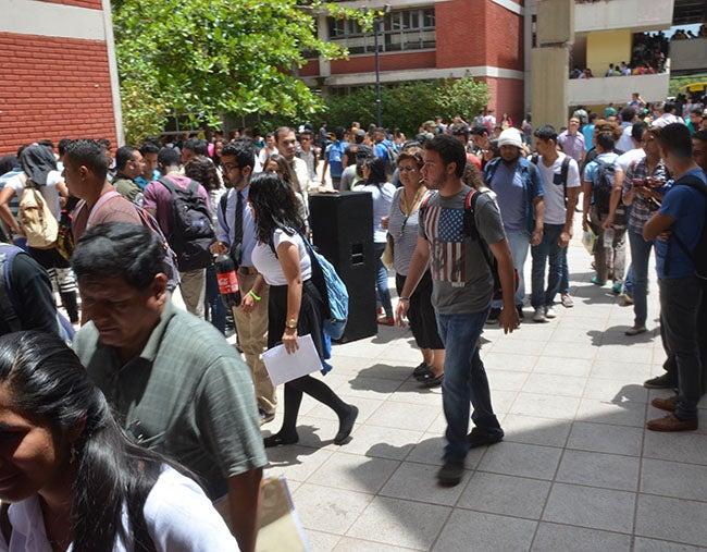 Honduras: Anuncian sanciones a encapuchados