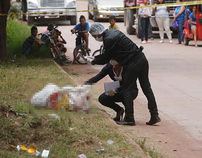 Crímenes abominables:  Siguen apareciendo muertos en sábanas