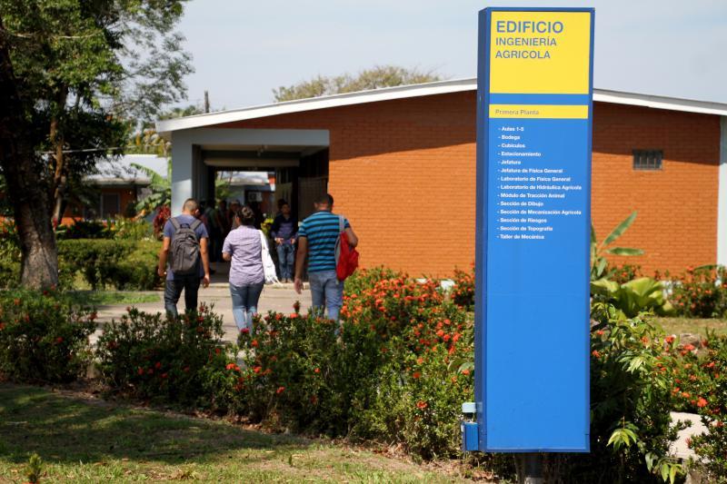 Honduras: Dictan medidas cautelares a 4 estudiantes del CURLA
