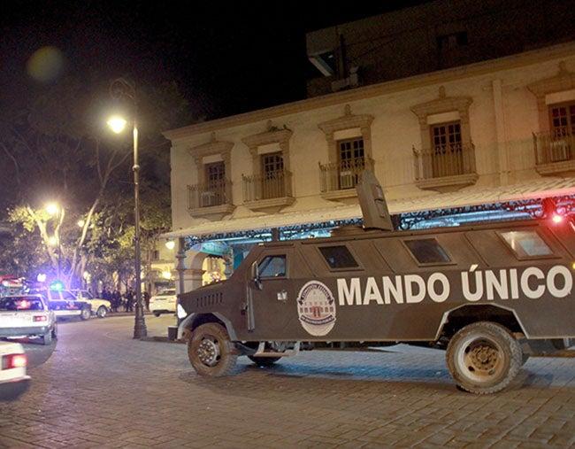 Catean tres casas en Morelos en busca de 'El Chapo'