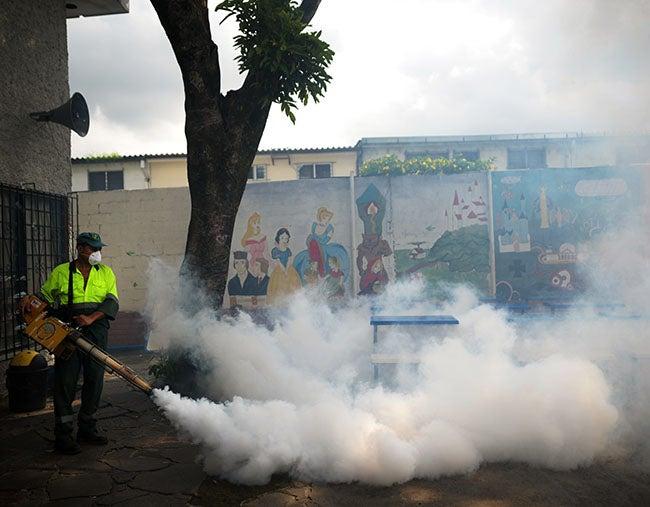 Confirman eficacia de vacuna contra el dengue