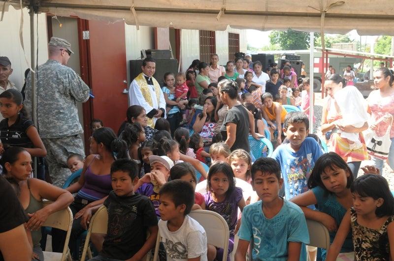 Nuevos horizontes construye escuela de dos aulas en Trujillo