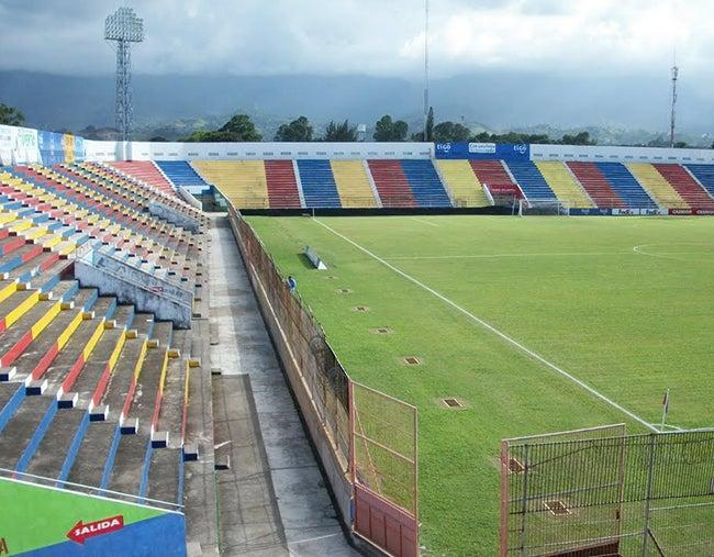 Condicionan uso del estadio a los equipos ceibeños