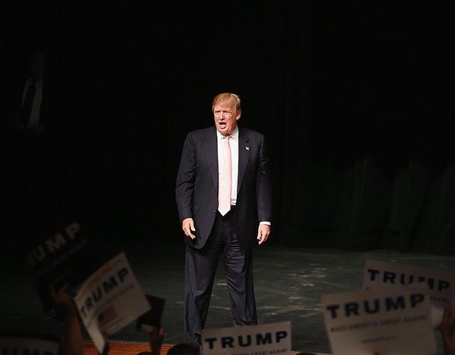 Trump a la cabeza en sondeos de primarias republicanas