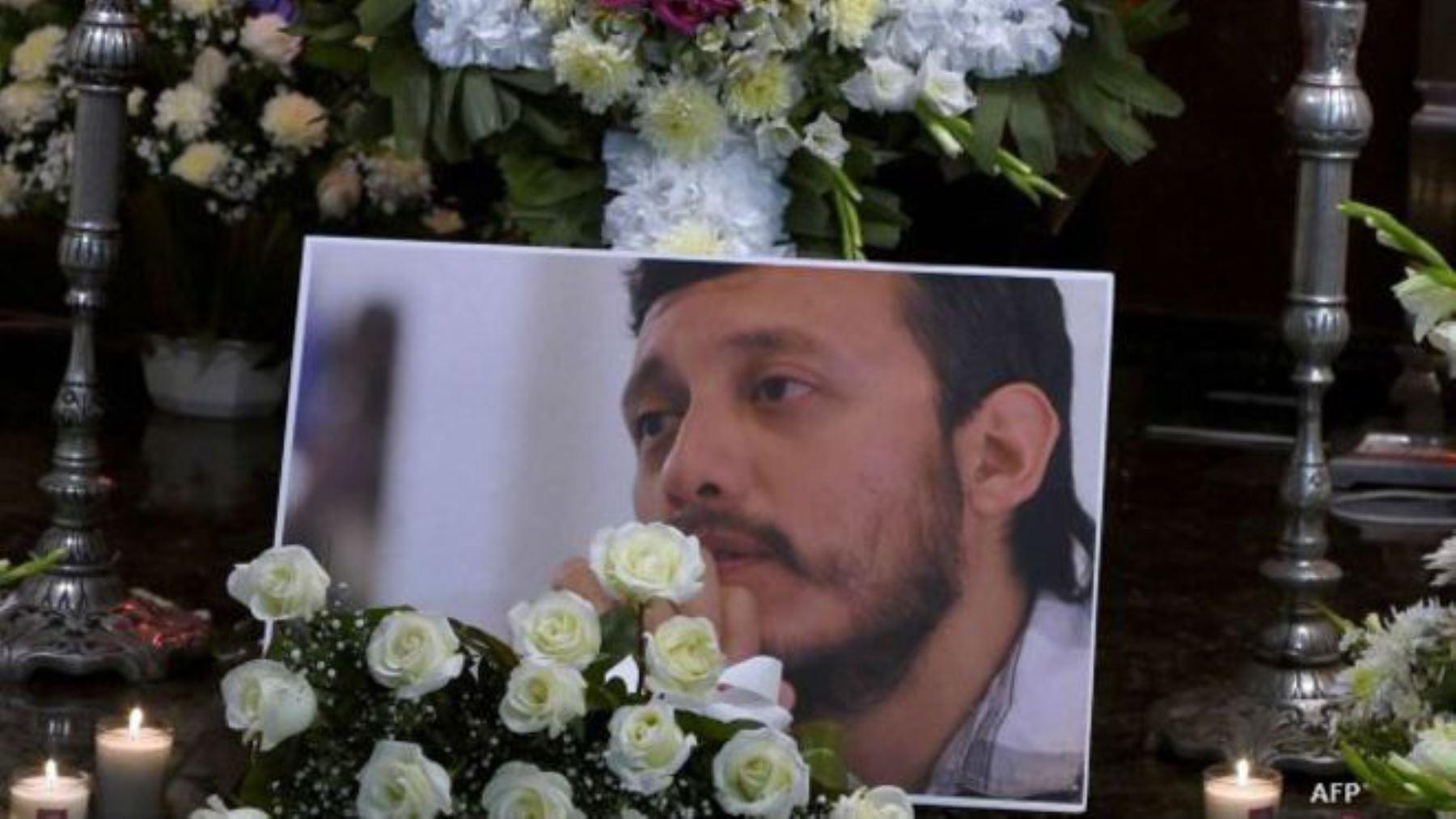 Escritores y periodistas piden justicia a presidente de México por crimen de fotógrafo