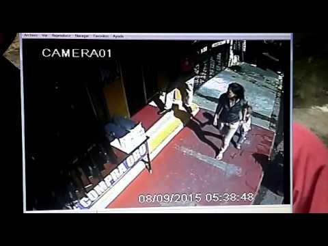 La Ceiba: Video muestra cómo asaltantes matan a guarda de seguridad de una casa de empeños