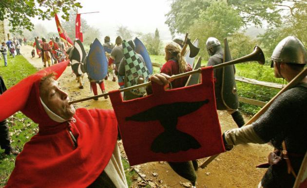 Un pueblo de Gales elige a su primer bufón en 700 años