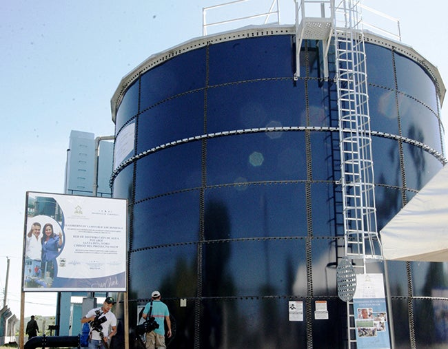 Inauguran el sistema de agua en Santa Rita