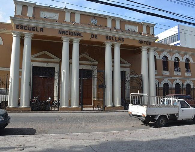 Temen posible cierre de la Escuela de Bellas Artes de Honduras