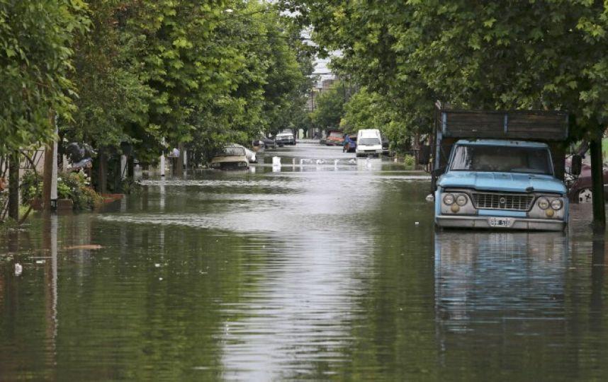 Un niño muerto y 1.600 evacuados por temporal de lluvias en Argentina