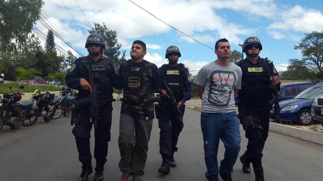 Honduras: Policía captura a dos presuntos pandilleros