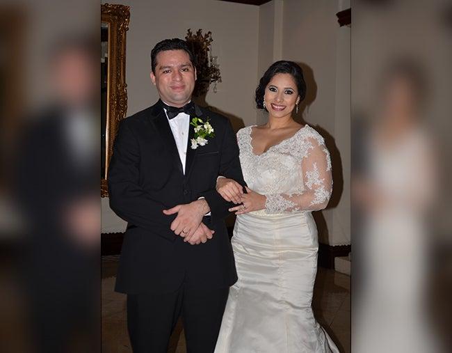 Ya son esposos Francia Zelaya y Héctor Corea