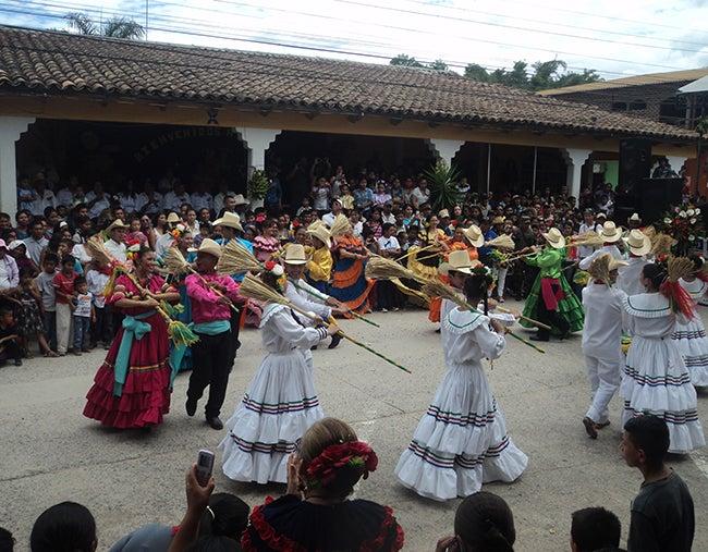 """Honduras: Con olor a café fue recibida la """"Caravana de identidad"""""""