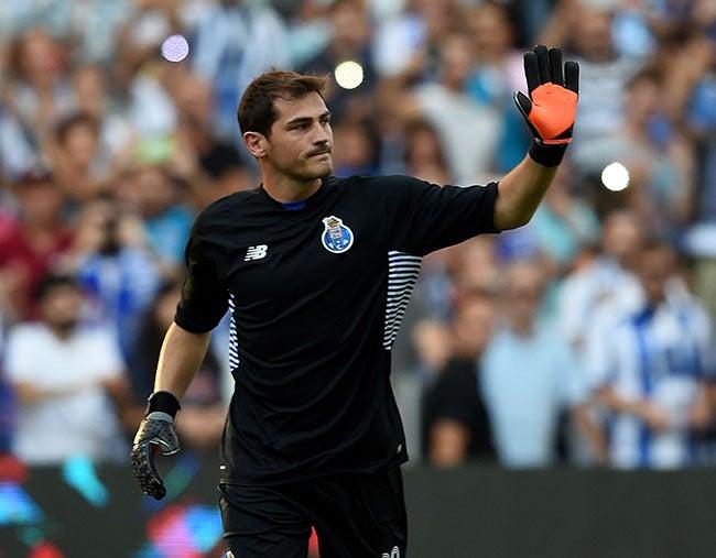 Liga Portuguesa: Oporto gana 3-0 en debut de Casillas