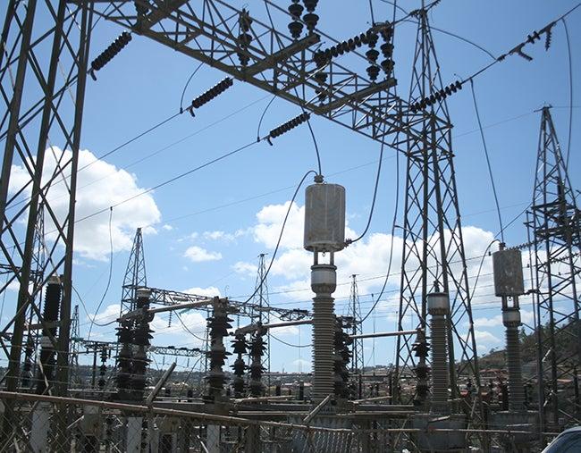 Denuncian daños a industria por los apagones de la ENEE