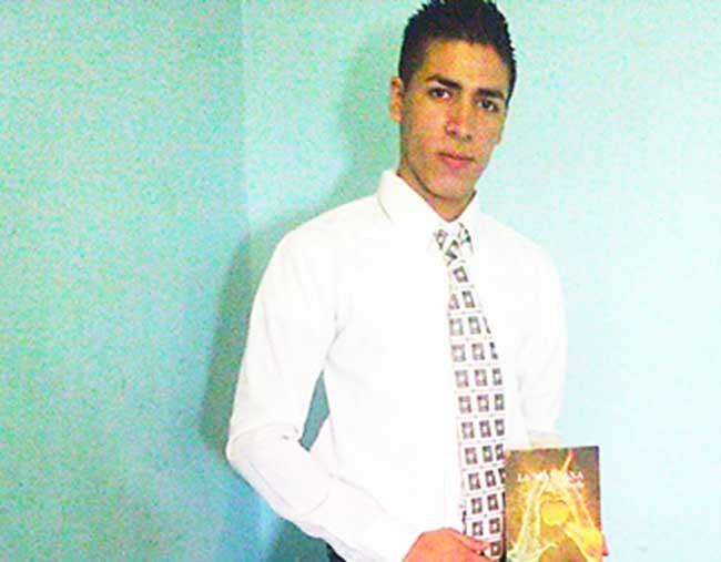 Honduras: Estudiante publica libro de cuentos