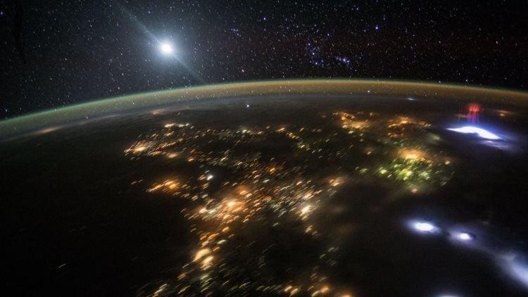 La NASA capta un misterioso espectro gigante sobre México