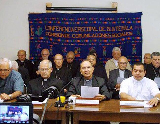 Iglesia pide a Pérez revisar su negativa a renunciar
