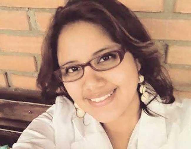Amigos y familiares despidieron a la asesinada estudiante de Odontología Claudia Mariela