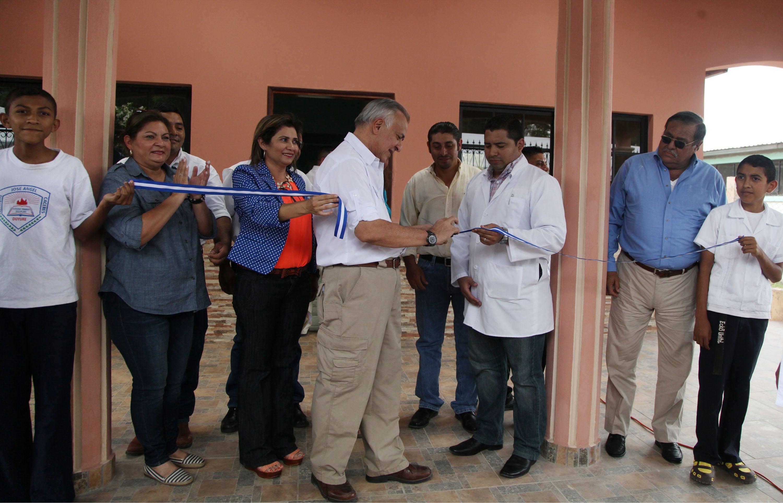 Inauguran centro de salud y pavimento  en el municipio de Duyure, Choluteca