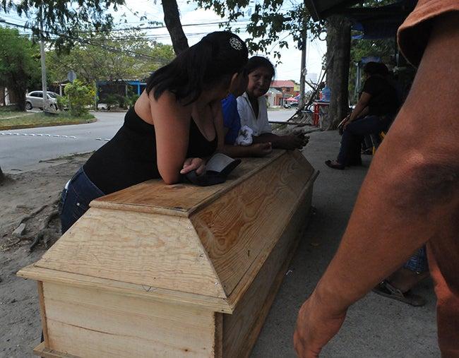 Honduras: Lo matan mientras esperaba su comida