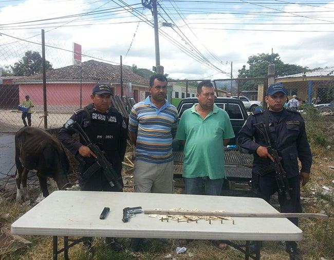 Arrestan en Cedros a 2 presuntos roba ganado