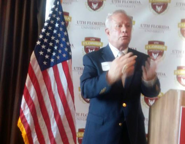 Apertura de UTH Florida debe alegrarnos a todos, ministro de Educación de Honduras