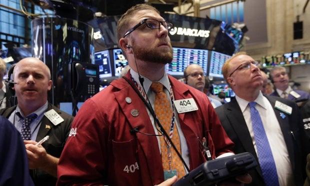 Wall Street se desploma en la apertura: Dow Jones -5,75%, Nasdaq -7,72%