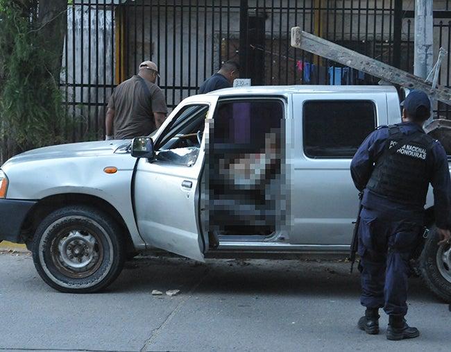 Lo matan dentro de  un carro en Prado Alto