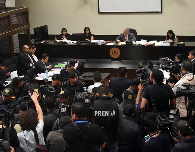 En la primera audiencia: Acusan formalmente a Baldetti y ratifican participación de Pérez